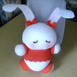 如何用袜子做兔子步骤 袜子娃娃兔子制作图解