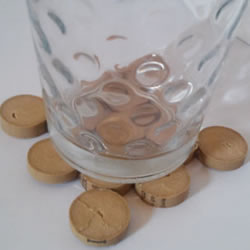 红酒瓶塞手工制作杯垫 废物利用做杯垫的方法