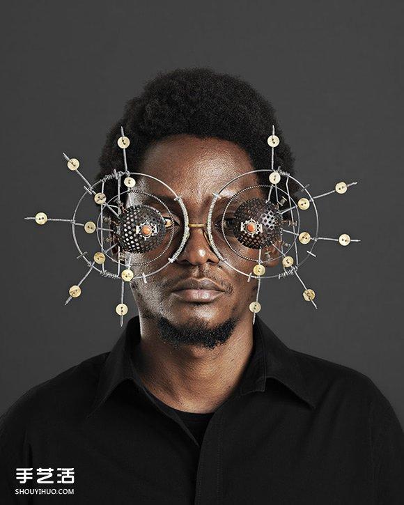 前衛到眼花撩亂!看見肯尼亞藝術家的廢棄物眼鏡