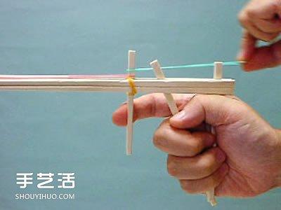 連發皮筋槍怎麼做圖解 自製連發皮筋槍做法