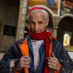 53年的坚持!西班牙老爷爷自己盖出一间大教堂