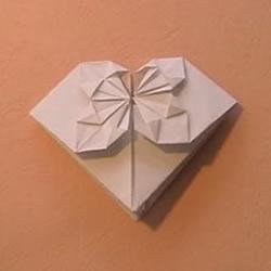带花爱心的折纸方法 折纸花朵图案爱心图解