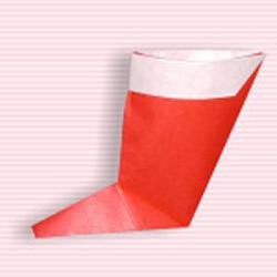 圣诞靴的折纸方法图解 幼儿折圣诞靴的教程
