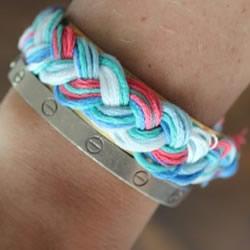 三股绳手链的编法图解 DIY制作成漂亮的手镯