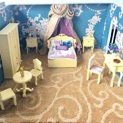 纯手工迷你家具 呈现欧洲三个时期的室内环境