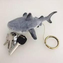 羊毛毡鲨鱼钥匙包DIY 羊毛毡钥匙包的制作方法