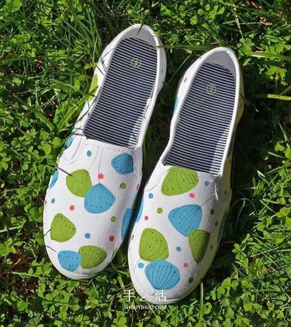 白色帆布鞋的改造方法 手绘改造白色帆布鞋 -  www.shouyihuo.com