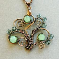 DIY铜线项链坠的方法 精致金属丝项链制作