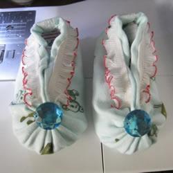 宝宝蒲包鞋的做法图解 婴儿豆渣饼鞋制作方法