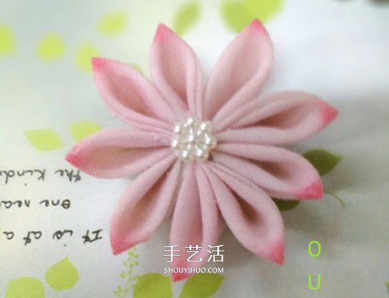 不织布做荷花发卡图解 手工布艺莲花发饰DIY -  www.shouyihuo.com