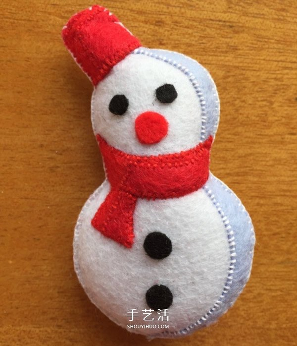 不织布圣诞花环制作 手工布艺圣诞花环的做法 -  www.shouyihuo.com