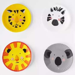 幼儿园餐盘画作品 在餐盘里画出卡通小动物