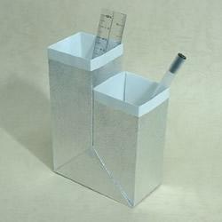 双孔笔筒的折纸方法 纸笔筒的做法步骤图解
