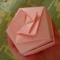 玫瑰纸盒的折法图解 情人节漂亮礼品盒的折法