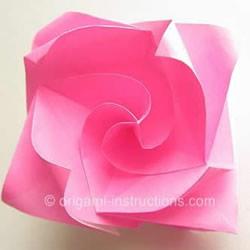 旋转玫瑰怎么折图解 手工旋转的玫瑰花折