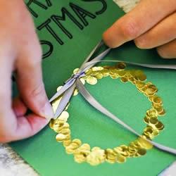 圣诞花环贺卡制作方法 简单自制圣诞贺卡