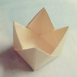 简单可爱皇冠盒子折法 折两艘小船叠起来就好
