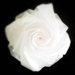 妮妮玫瑰的折法图解 手工漂亮纸玫瑰折纸