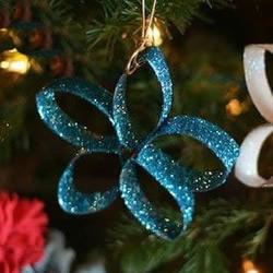 卫生纸筒废物利用 手工制作圣诞树挂饰方法