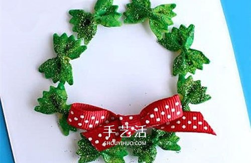简单圣诞花环贺卡做法 蝴蝶面手工制作圣诞贺卡 -  www.shouyihuo.com