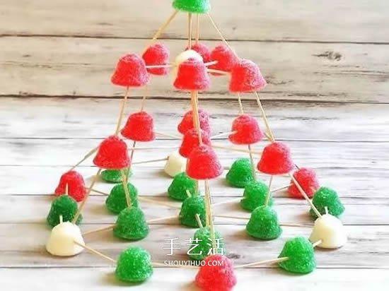 亲子益智小游戏:用软糖和牙签搭建圣诞树 -  www.shouyihuo.com