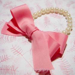 超简单珍珠手链DIY 用缎带给手链配个蝴蝶结