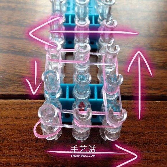 怎样用橡皮筋编织戒指 编成漂亮的花朵造型 -  www.shouyihuo.com