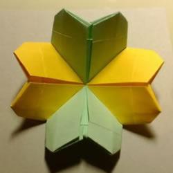 双色幸运草的折法图解 两张纸折四叶草的