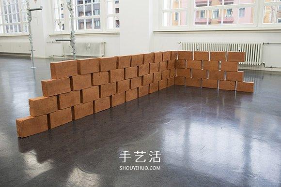 父亲遗留的温度!红砖中的双手石膏雕塑作品 -  www.shouyihuo.com