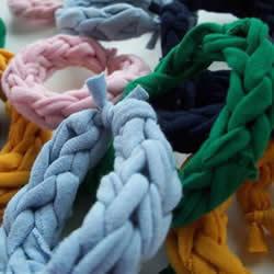 旧T恤编织手链的方法 粗犷风男士手链DIY