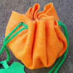 万圣节南瓜袋制作方法 布艺南瓜糖果袋的做法