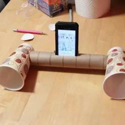 保鲜膜筒和纸杯废物利用 简易手机扩音器的做法