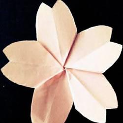 折樱花的简单方法图解 先剪纸花再折叠樱花