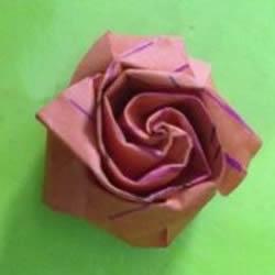 详细折纸玫瑰教程 可爱手指玫瑰花的折法图解