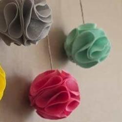 不织布绣球的做法图片 自制新年绣球挂饰图解