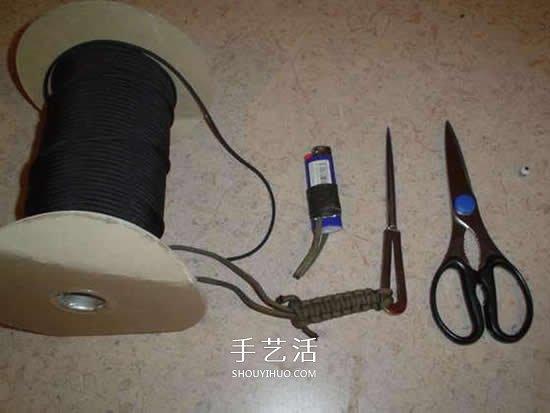 男士傘繩手繩的編法 簡潔陽剛男手鏈編織圖