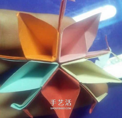 五张纸折纸花的教程 组合式五瓣花怎么折图解 -  www.shouyihuo.com