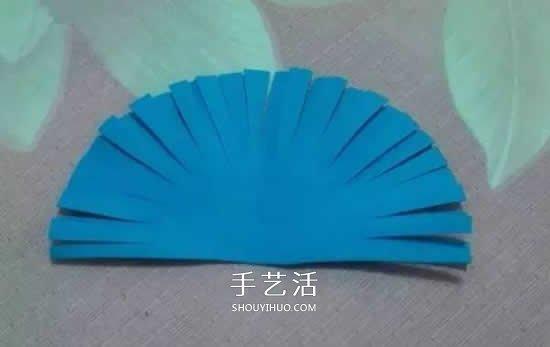海绵纸小手工教程 剪贴制作可爱的孔雀图片 -  www.shouyihuo.com