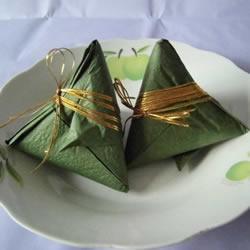 端午�手工制作 折�粽子的折法�≡�步�E�D
