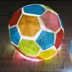 创意足球灯笼的做法图解 自制足球样式灯饰教程