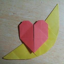 月亮代表我的心:浪漫月上心的折纸方法图解