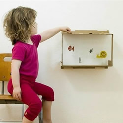 亲手做一个玩具鱼缸 废纸箱制作小鱼缸的