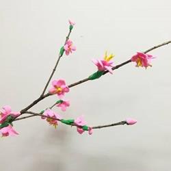 想念起了春天 用超轻粘土手工制作美丽的桃花