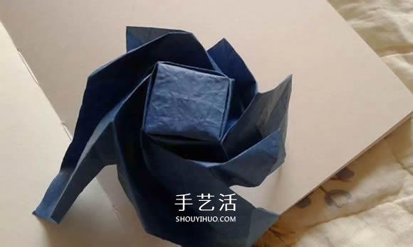 折纸玫瑰花教程 漂亮贝利尔玫瑰的折法步骤 -  www.shouyihuo.com