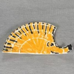 幼儿园简单小手工 用纸餐盘做可爱小刺猬方法