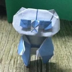 折纸站立大熊猫的图解教程 可爱的卡通形象