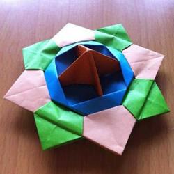 旋转纸陀螺怎么折图解 简单花型陀螺折纸教程