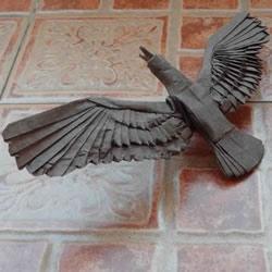 鹰的折纸教程 手工折纸展开翅膀雄鹰的步骤图