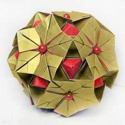 冬天的美丽折纸手工 立体雪花花球的折法图解