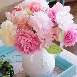 皱纹纸做花的方法 组合制作成美丽的装饰插花